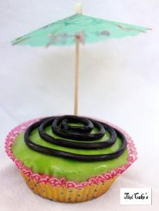 cupcake tourbillon dans Cupcakes avec décoration en pâte à sucre 003bb-226x300