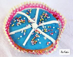 cupcake étoilé dans Cupcakes avec décoration en pâte à sucre 005b-300x235