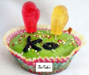 cupcake boxe dans Cupcakes avec décoration en pâte à sucre 013.jbpg_-300x251