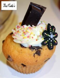 cupcake vanille et pépites de chocolat dans Cupcakes avec décoration à la mascarpone 042b-232x300