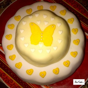 gâteau papillon dans Gâteaux avec décorations en pâte à sucre gateau-11-300x300