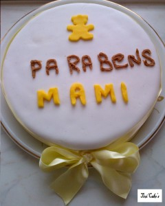 gâteau nounours dans Gâteaux avec décorations en pâte à sucre gateau-13-240x300