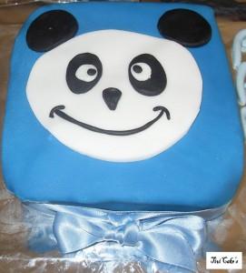 gâteau panda dans Gâteaux avec décorations en pâte à sucre gateau-5-271x300